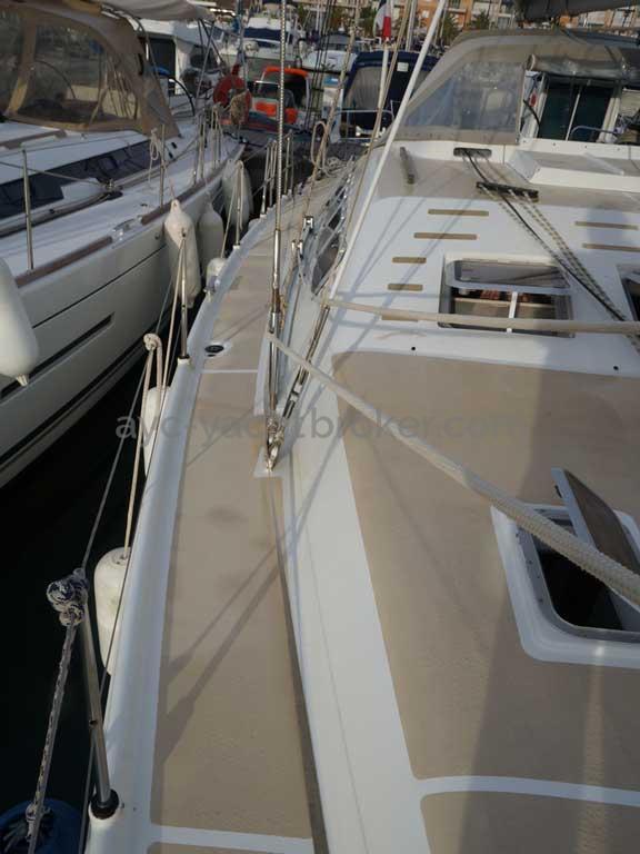 Universal Yachting 49.9 - Passavant tribord