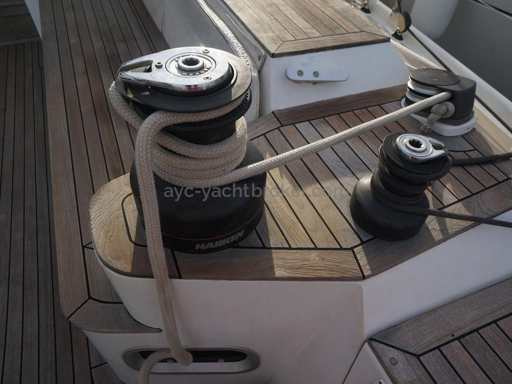 Universal Yachting 49.9 - Winches de cockpit tribord