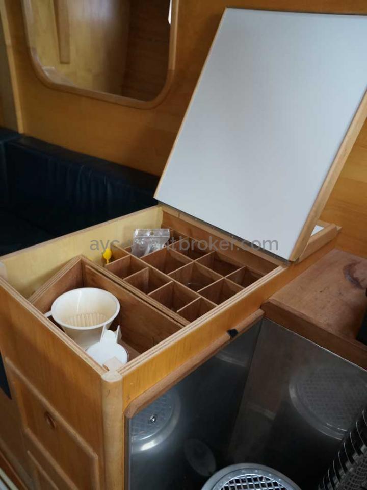 GARCIA 48 - Rangement tribord