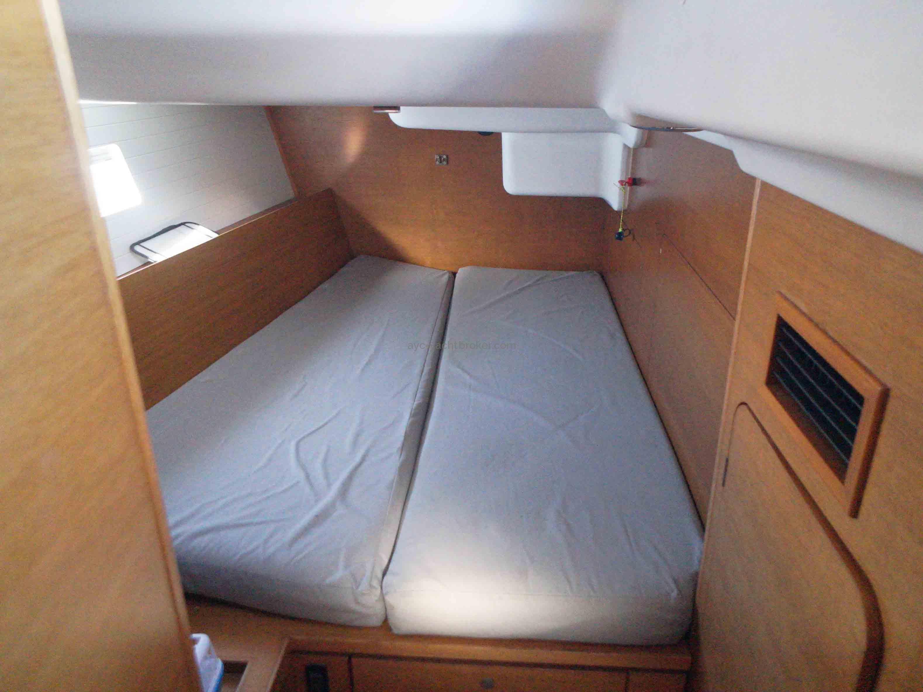 AYC Yachtbroker - GRAND SOLEIL 54 - cabine Tribord