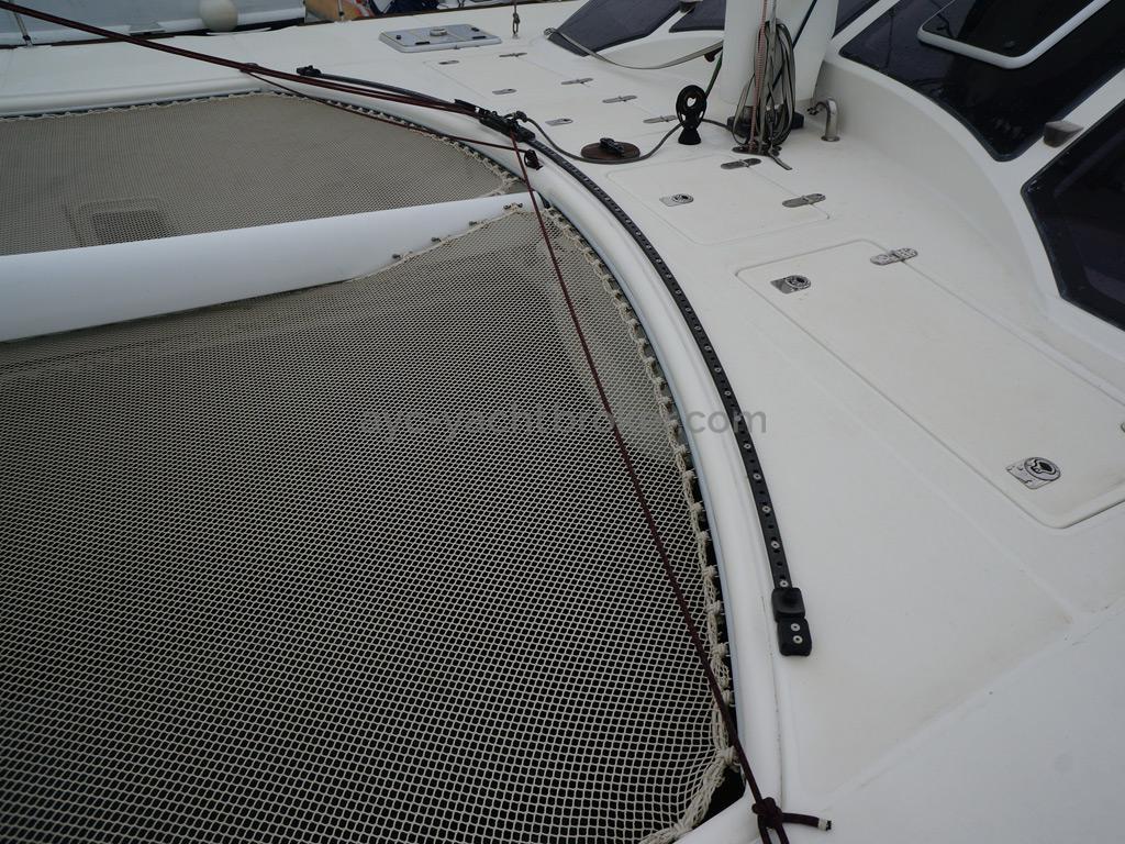 Catana 582 Caligo - Trampoline et rail de trinquette autovireuse