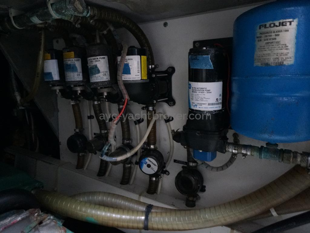 Catana 582 Caligo - Système de distribution d'eau douce