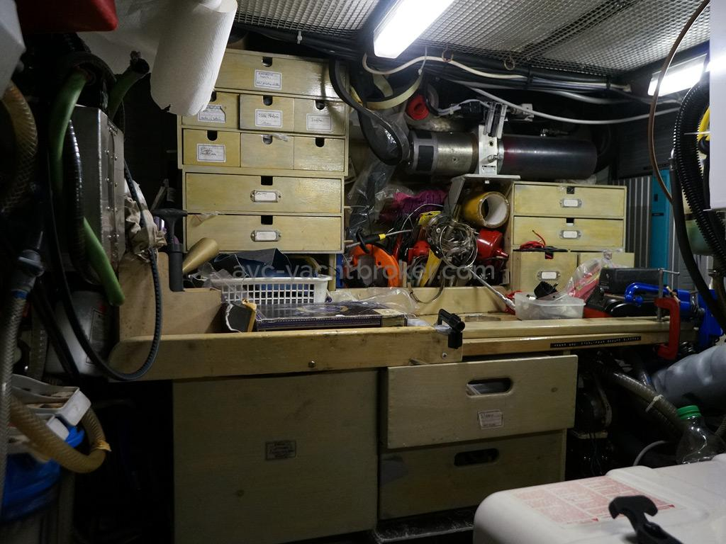 Trintella 44 Alu - Soute technique / atelier