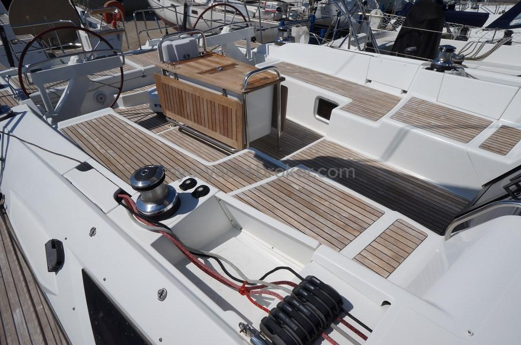 AYC - Jeanneau 57 - Cockpit