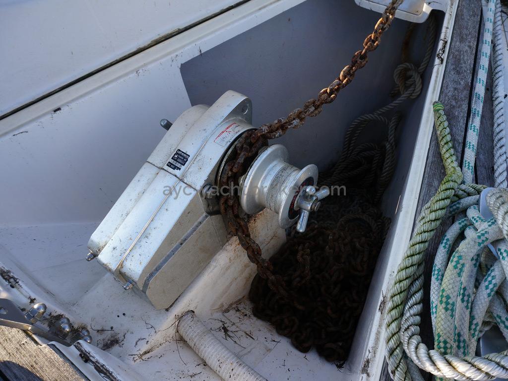 AYC - Feeling 39 DI - Guindeau électrique Lofrans Cayman