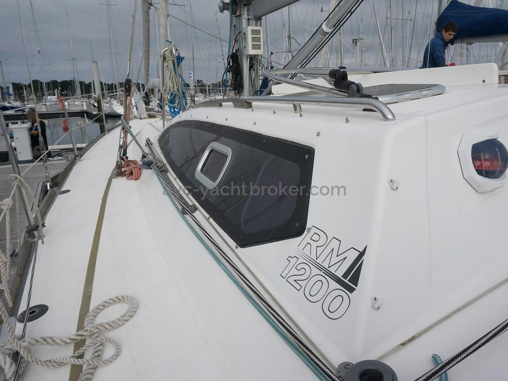 RM 1200 - Passavant bâbord
