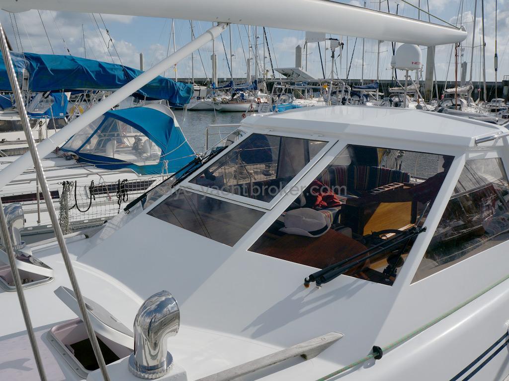 AYC Yachtbroker - Trintella 44 Aluminium - Bôme et abri de veille
