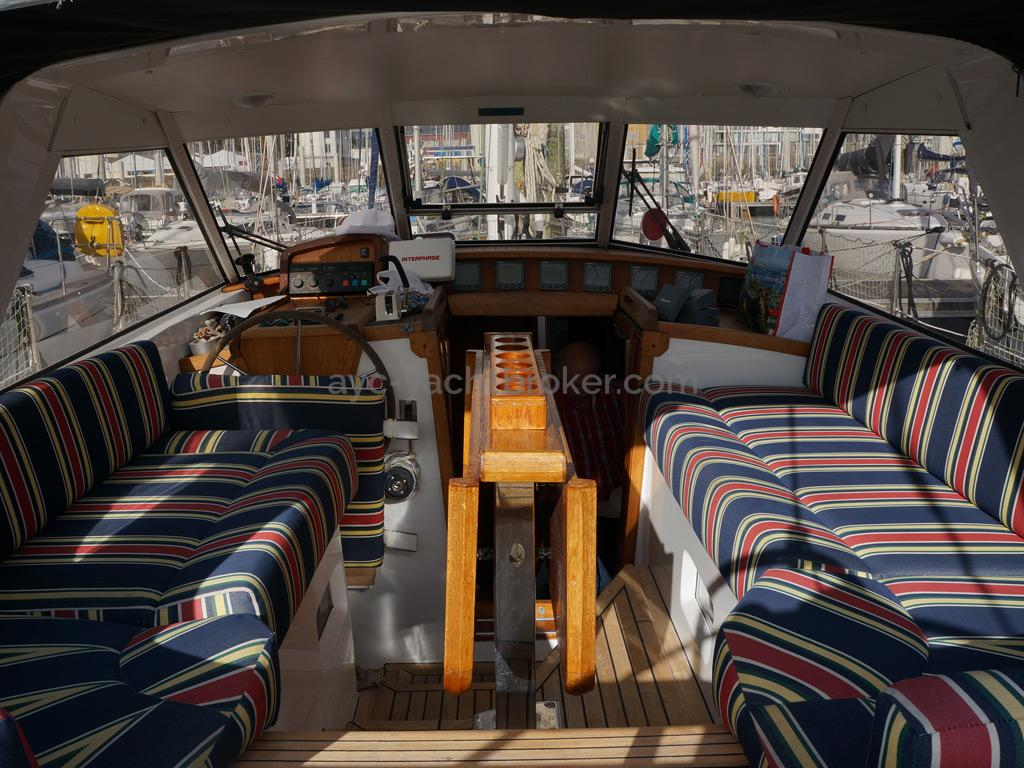 AYC Yachtbroker - Trintella 44 Aluminium - Abri de veille / cockpit
