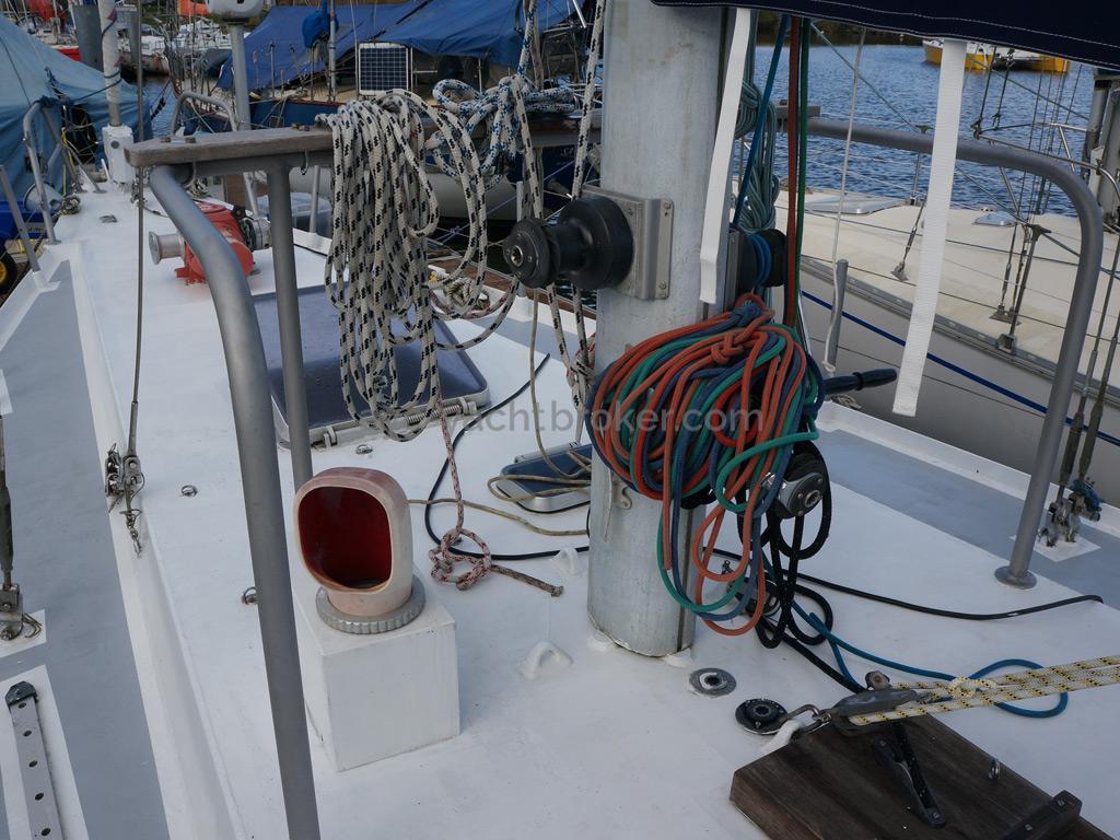 Dalu 47 - Pied de mât