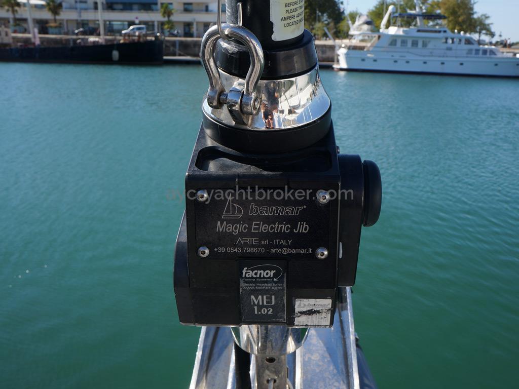 Dufour 485 Grand Large Custom - Enrouleur électrique