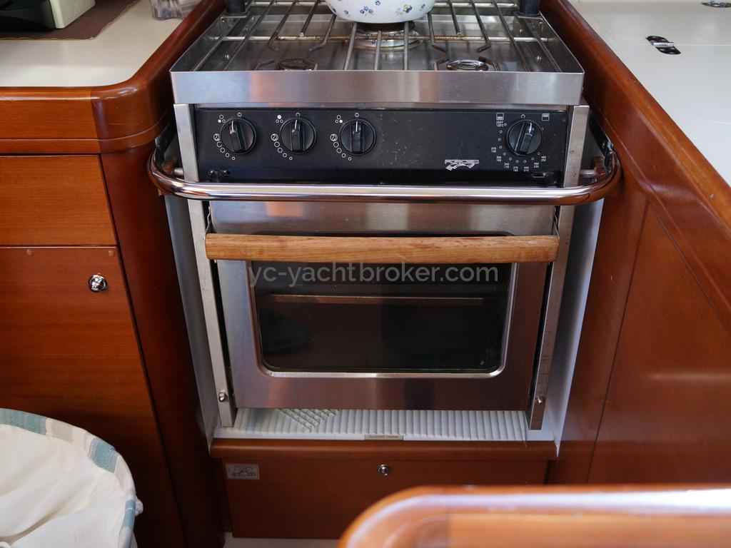 Dufour 485 Grand Large Custom - Rechaud-four Force 10