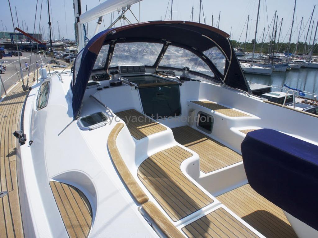 Sun Odyssey 54 DS - Cockpit