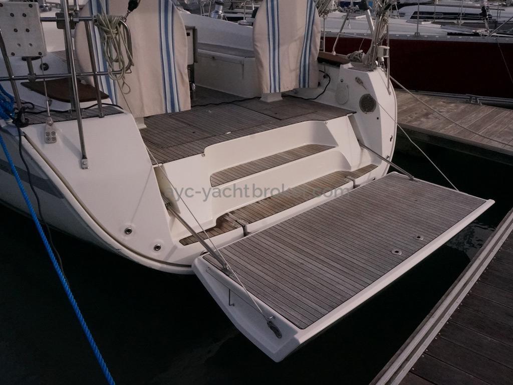 Bavaria 45 Cruiser - Grande plage arrière dépliable