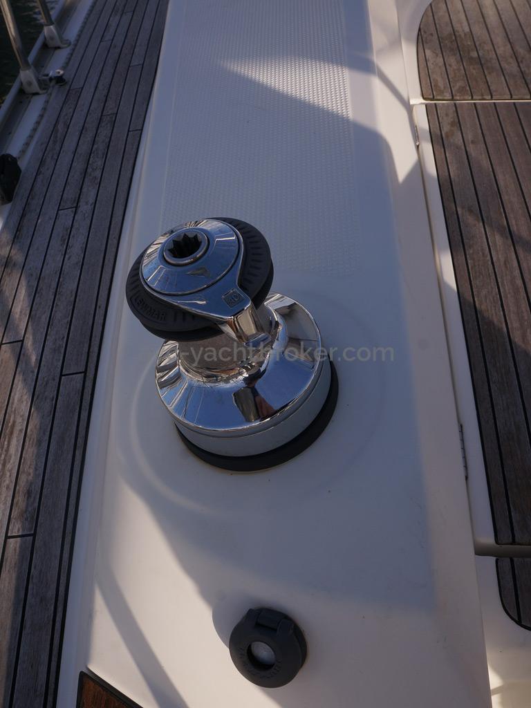 Bavaria 45 Cruiser - Winch électrique bâbord