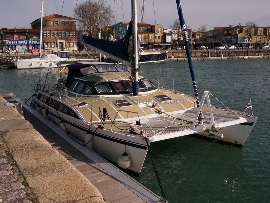 Cat Flotteur 45 - Au ponton