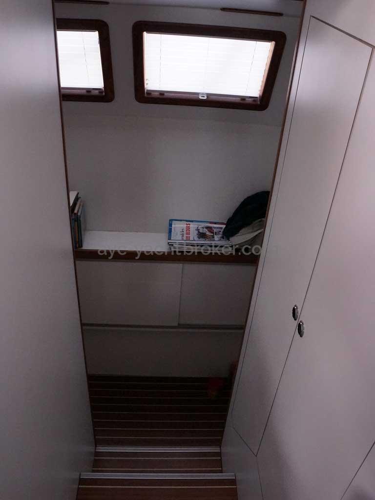 Cat Flotteur 45 - Descente tribord