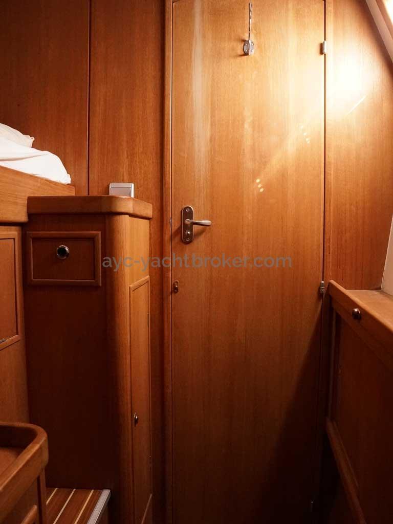 Cat Flotteur 45 - Cabine avant bâbord