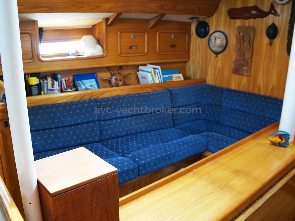 OVNI 385 - Banquette bâbord de carré