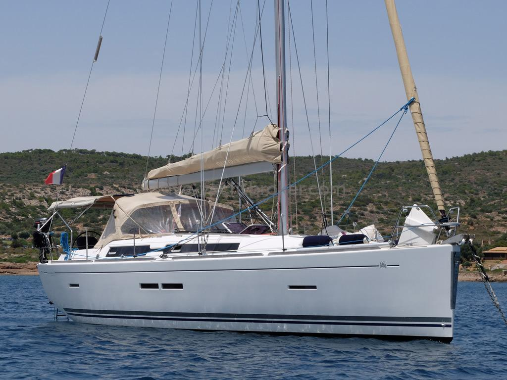 AYC Yachtbroker - Dufour 405 Grand Large - Au mouillage