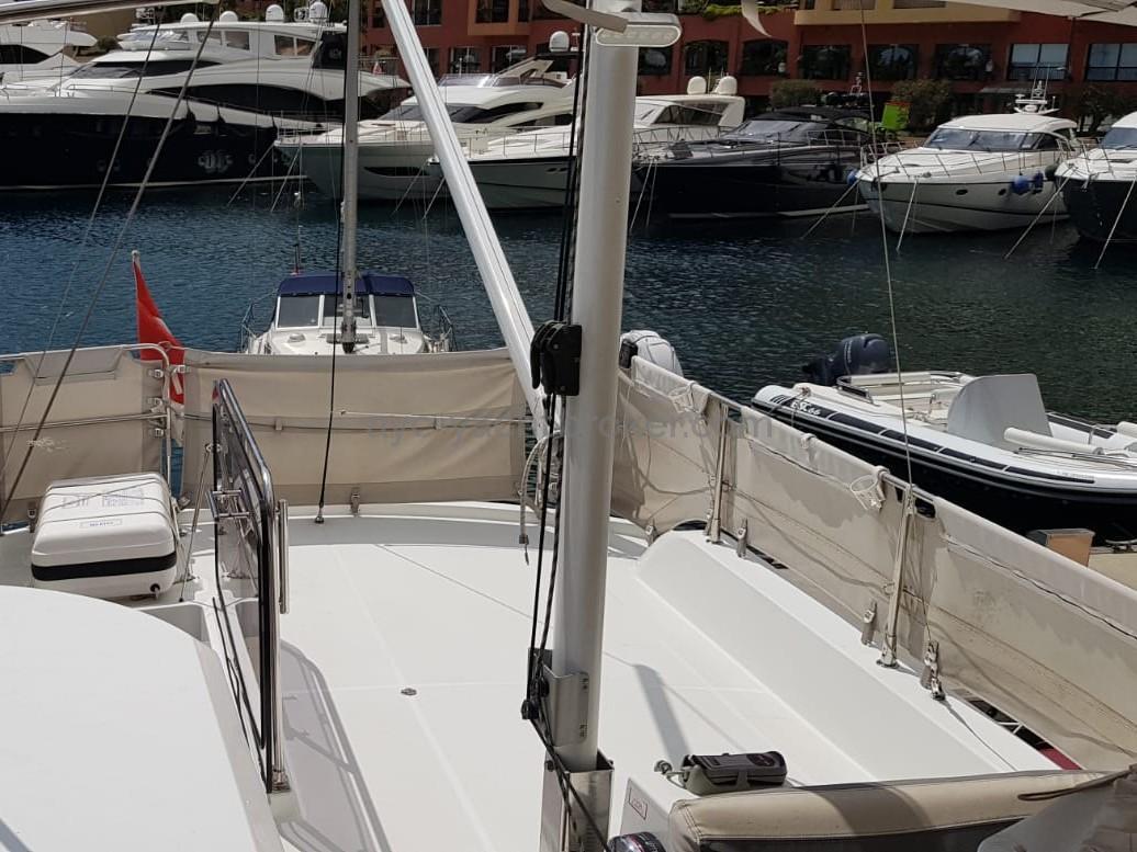 AYC - FLYBRIDGE - Swift Trawler 44 by Beneteau