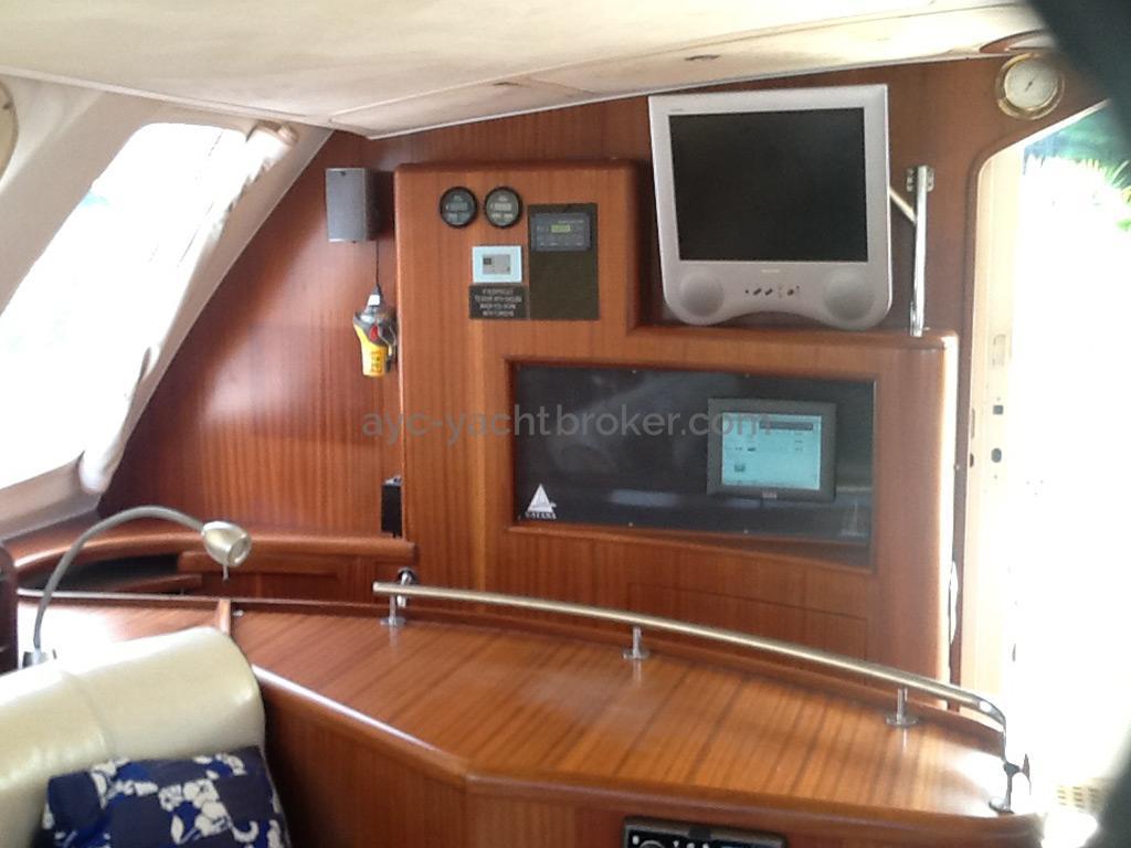 Catana 582 Caligo - Descente tribord arrière