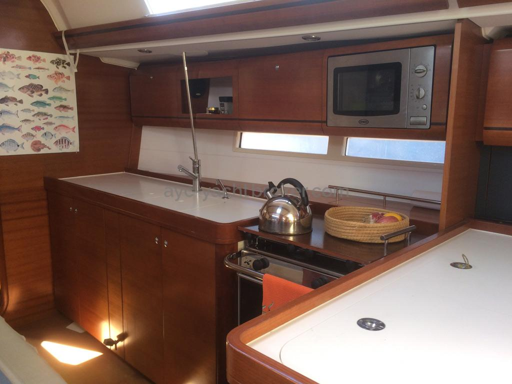 AYC Yachtbroker - Dufour 405 Grand Large - Cuisine