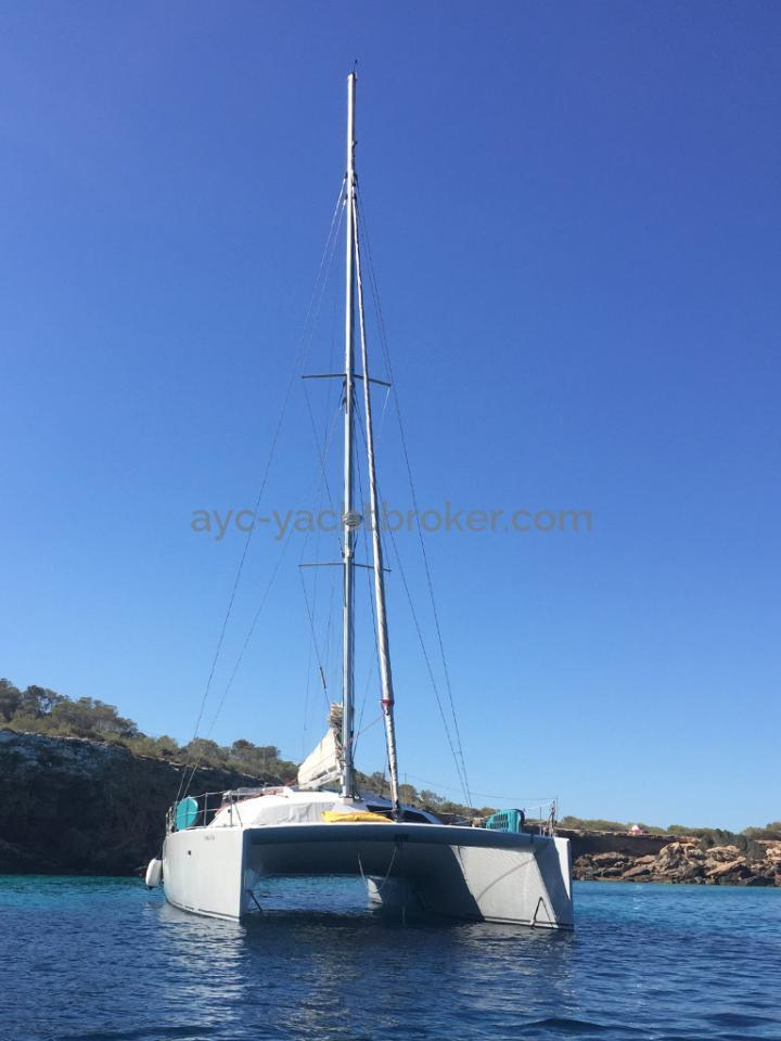 Flashcat 52s - AYC Yachtbroker - Au mouillage