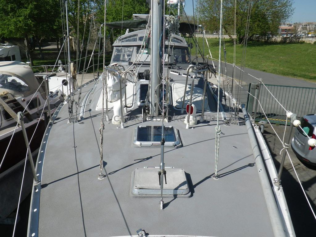 Carambola 38 - Pont avant