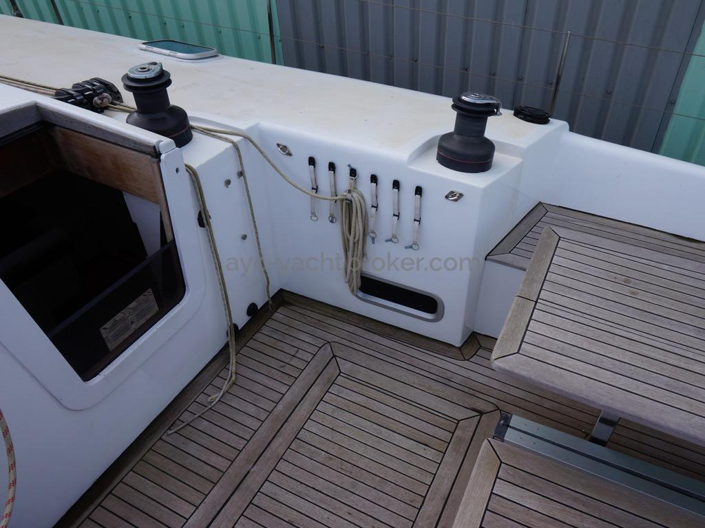 Sunreef 60S - Cockpit et organiseur de drisses