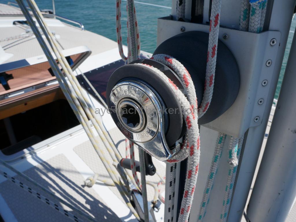 AYC Yachtbroker - OVNI 36 - Pied de mât