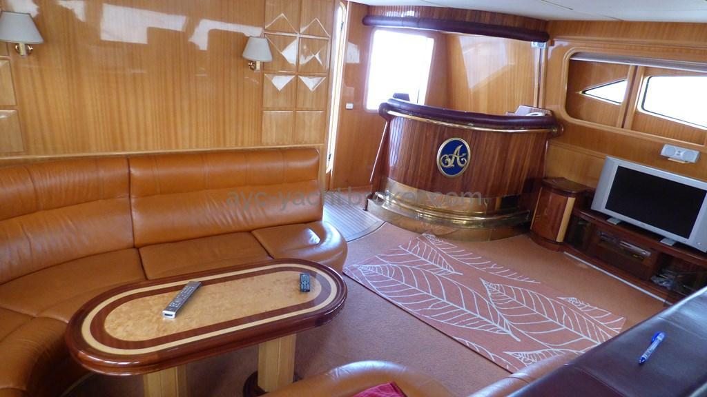 AYC - Liman Ketch - salon