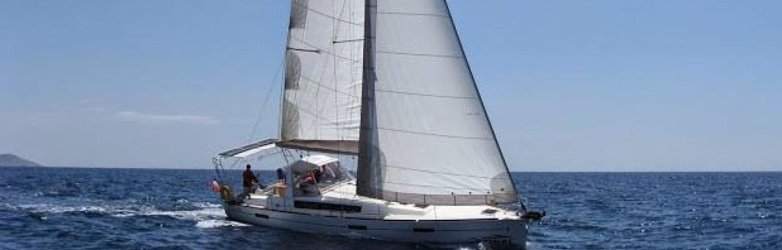OCEANIS 45 sous voiles