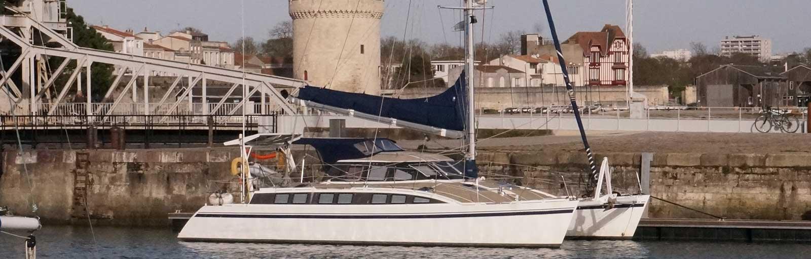 Cat Flotteur 45 - AYC Yachtbrokers